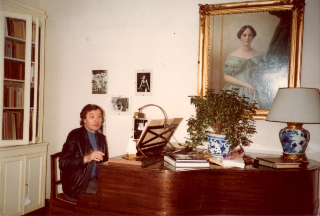 At the piano, in the living room of Francis POULENC's house in NOISAY